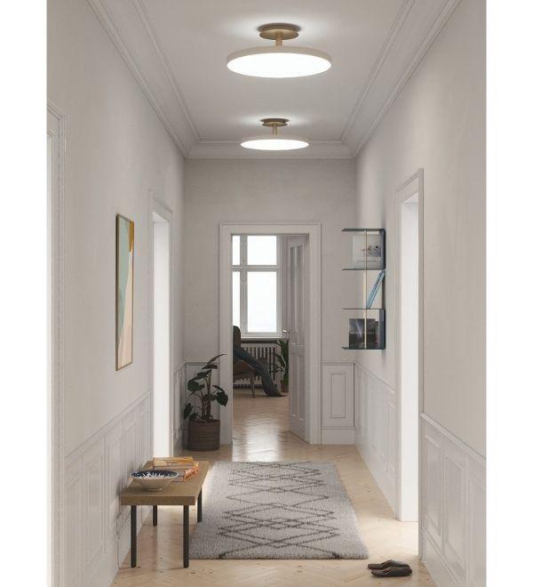 plafony do nowoczesnego korytarza - białe